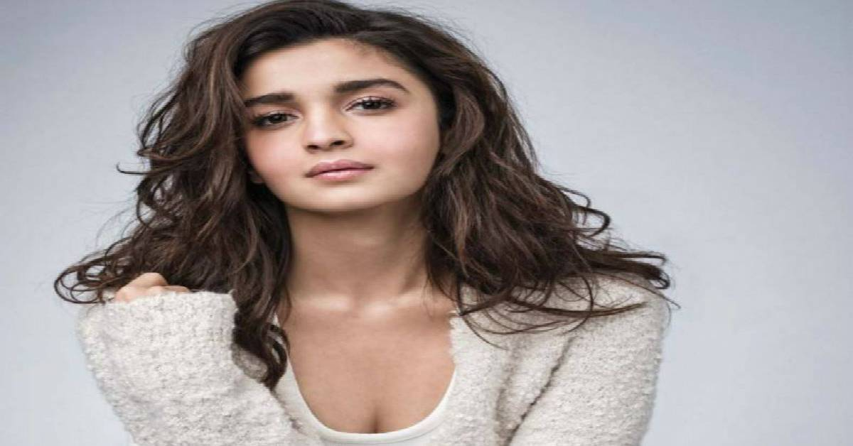 Alia Bhatt To Share Handpicked Outfits From Her Personal Closet For Charity!