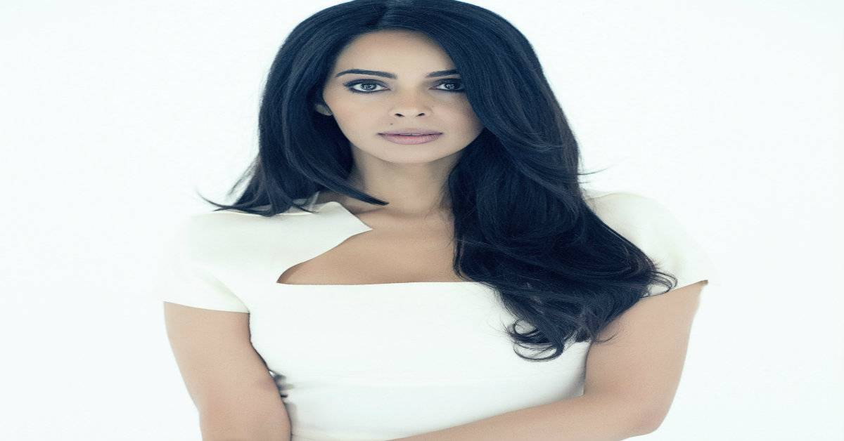 Mallika Sherawat's Heartfelt Piece On How She Wants To Fight To Free Every Girl!