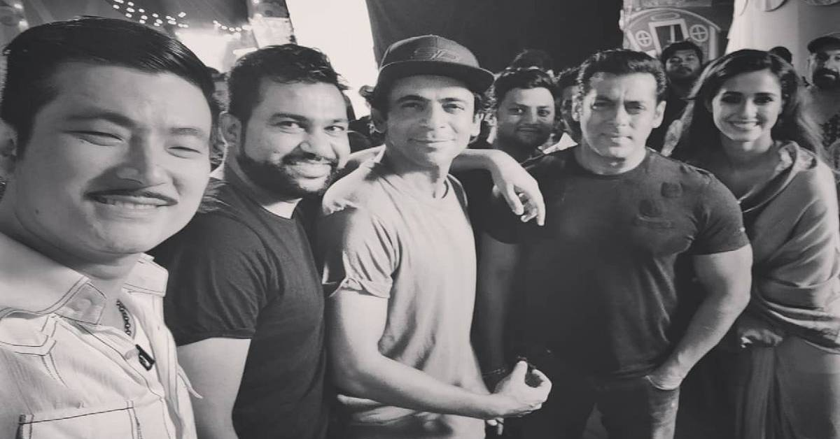 Salman Khan Poses For A Lovely Picture With His Bharat Crew Ali Abbas Zafar, Disha Patani, Sunil Grover And Meiyang Chang!